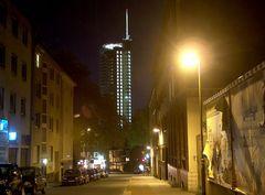 RWE Turm bei Nacht