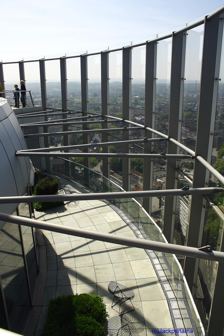 RWE-Turm in Essen: Aussichtsterasse im 27. Stockwerk