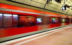 S-Bahn am Airport Hamburg