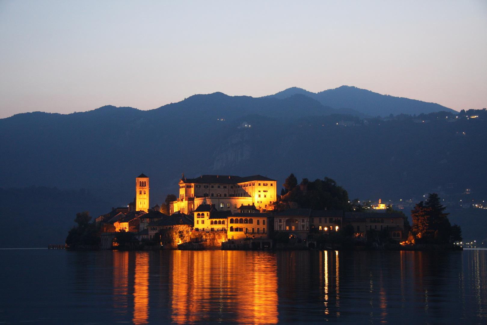 s. giulio night - lago d'orta