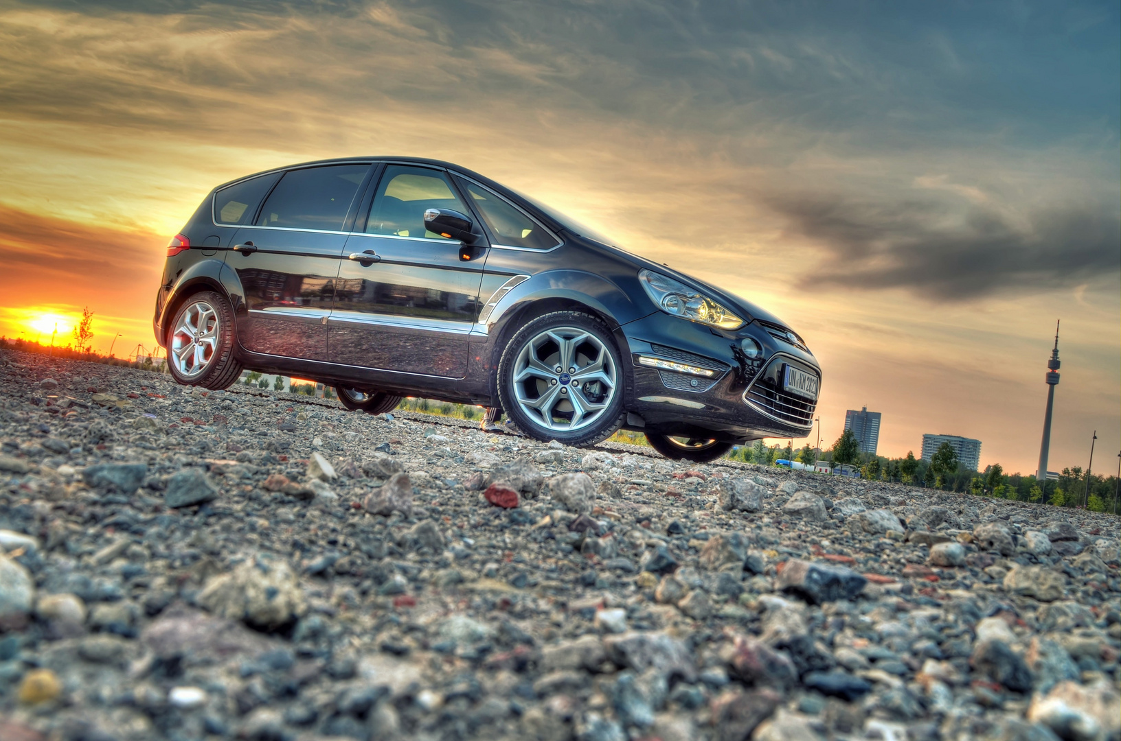 S-Max im Sonnenuntergang in HDR