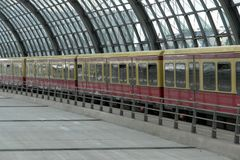 S75, Ausfahrt Gleis 16  (2.)