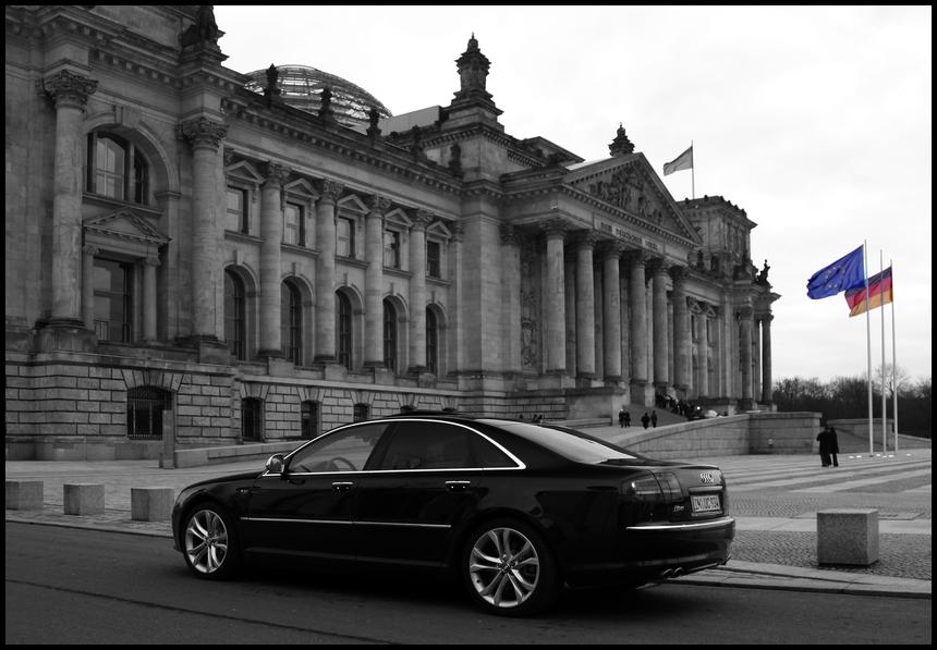 S8 am Reichstag