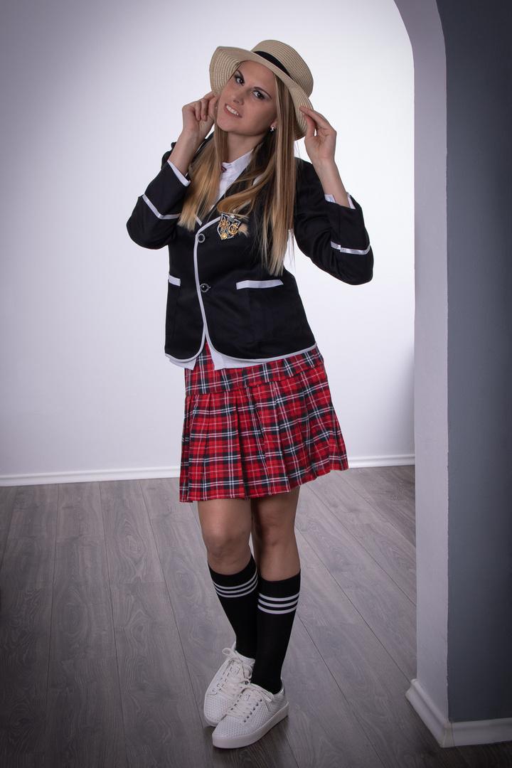 Sabrina - Schuluniform 2