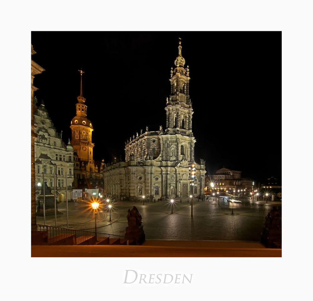 """Sächsische Impressionen """" Dresden - Blick zur Hofkirche und dem Schlossturm, bei Nacht... """""""