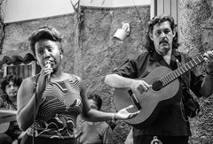 Saengerin + Gitarre Cuba Santiago SW-37
