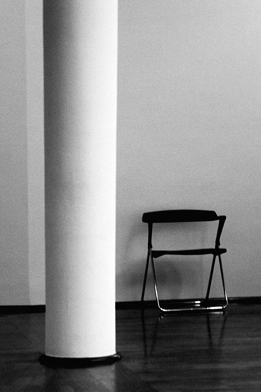 *säule + stuhl *