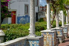 Säulen am Miradouro de Santa Lucia