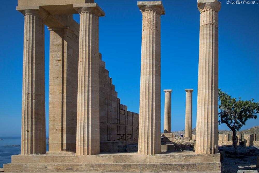 Säulen der Akropolis von Lindos auf Rhodos