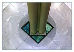 säulen im marmorkreis