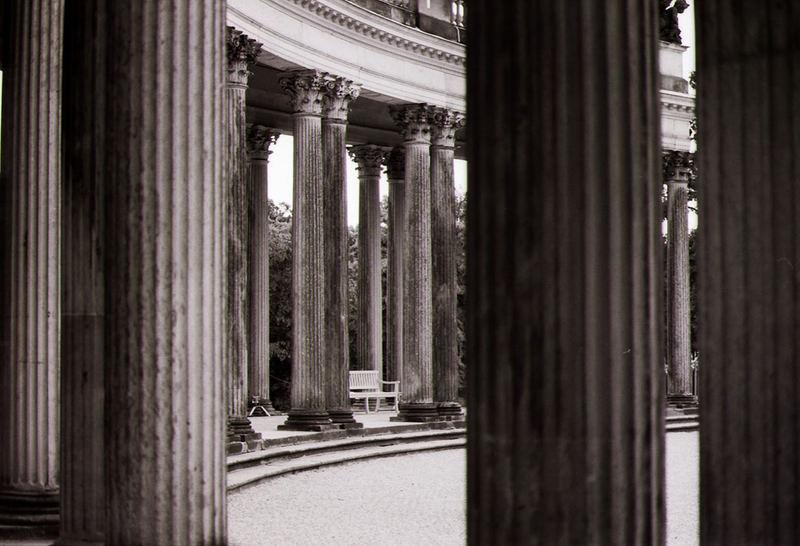 Säulen in Sanssouci