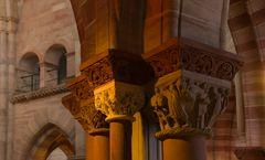 Säulen-Kapitelle