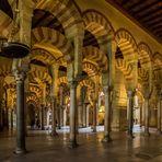 Säulen und Bögen