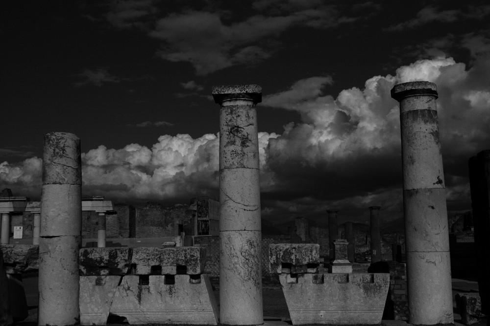 Säulen von Popmeji