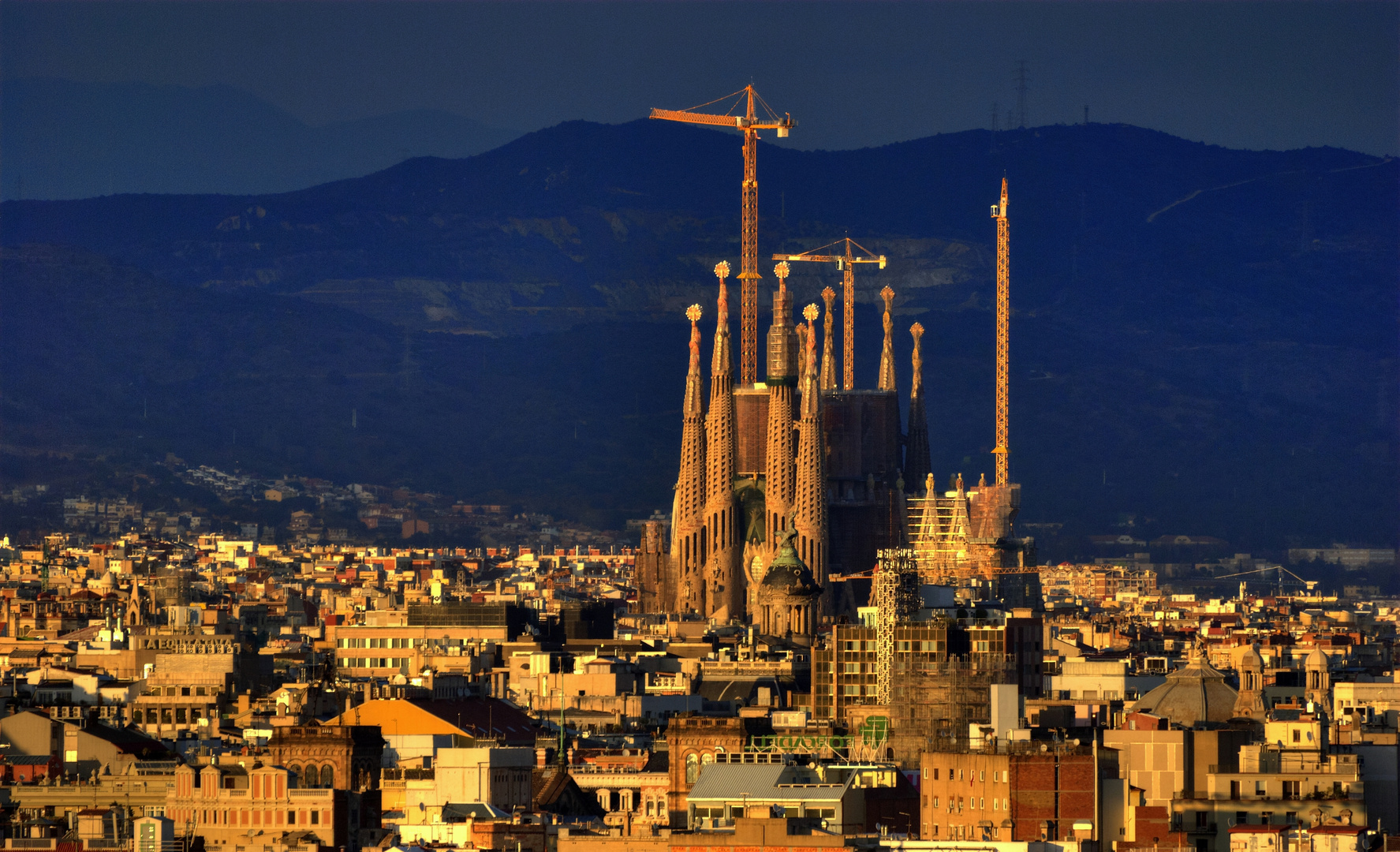 Sagrada Familia - Sunset