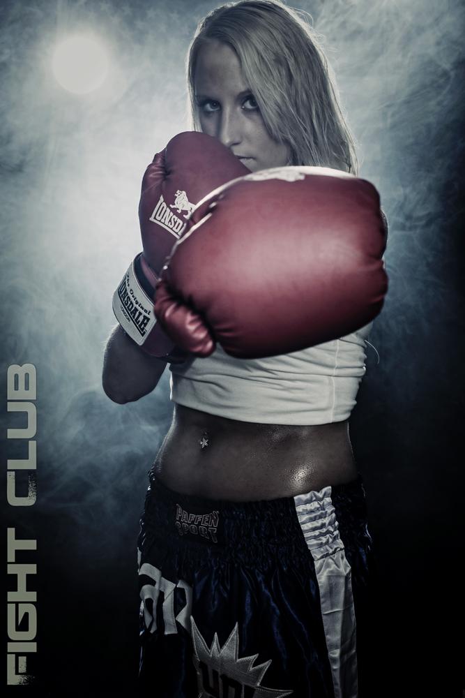 Sahra im Fight Club