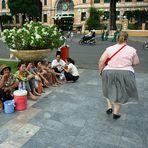 Saigon........wo dritt welt kann studieren wie gut geht erst welt
