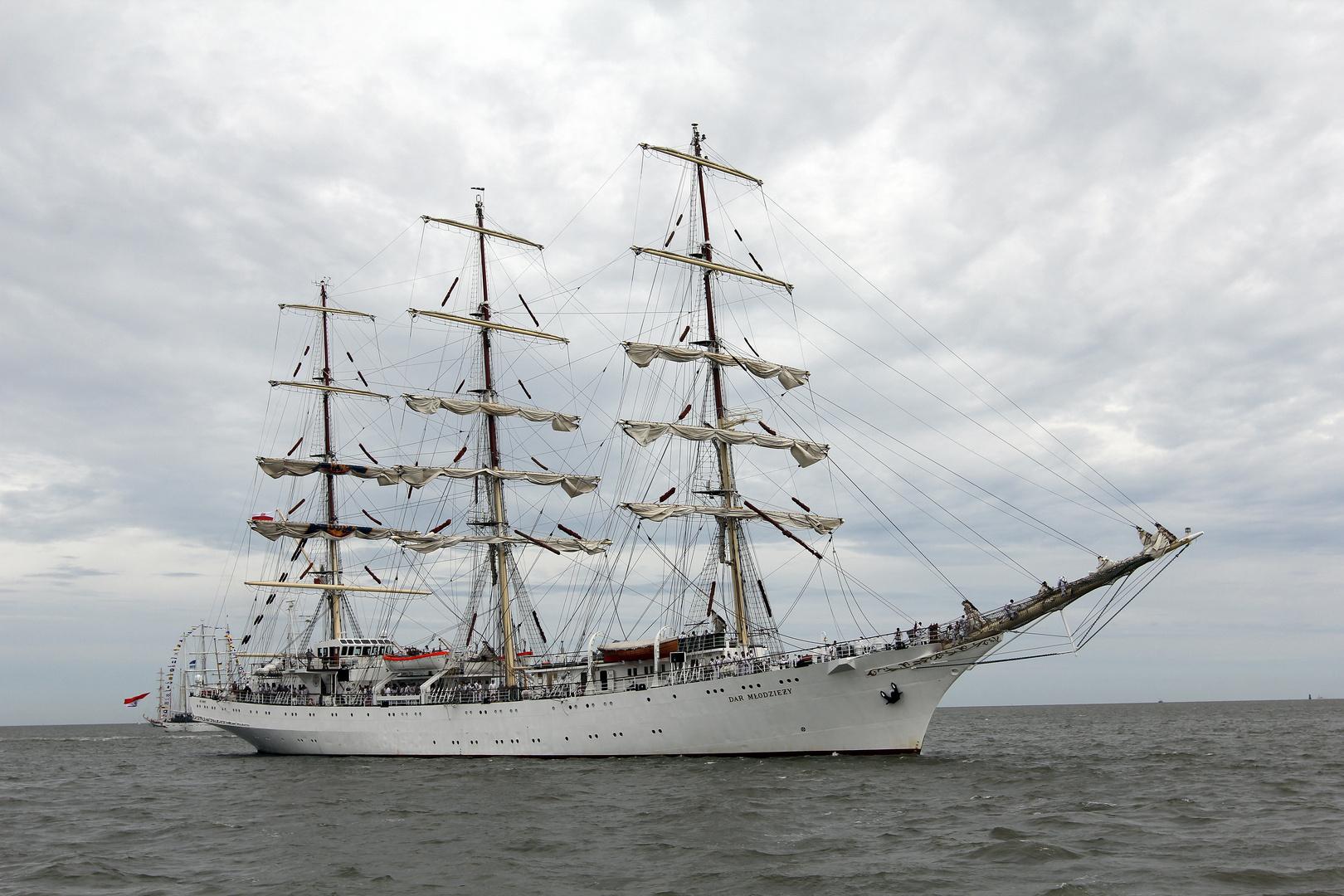 Sail 2015 - Dar Mlodziezy