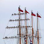 Sail 2015 - Esmeralda, Besatzung grüßt Sail-Besucher
