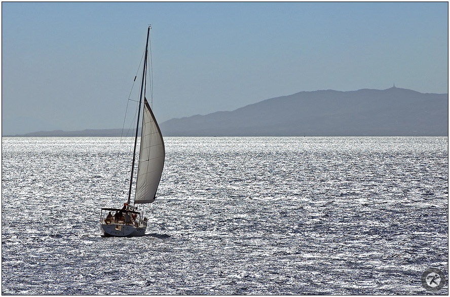 < sail away >