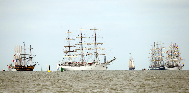 Sail Bremerhaven 2015, Großsegler auf Reede
