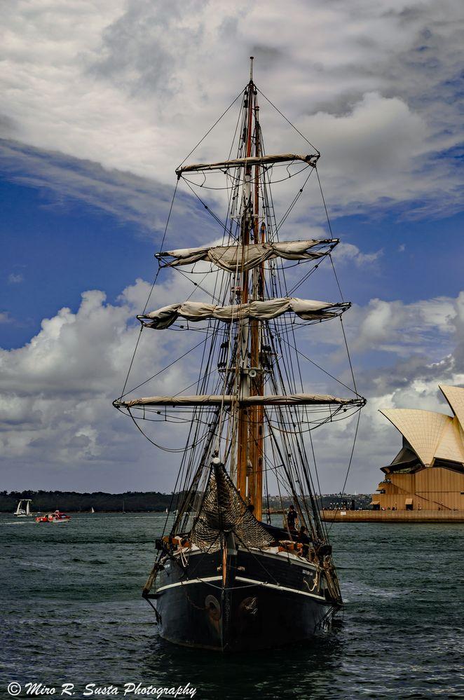 Sailing Ship and the Opera House