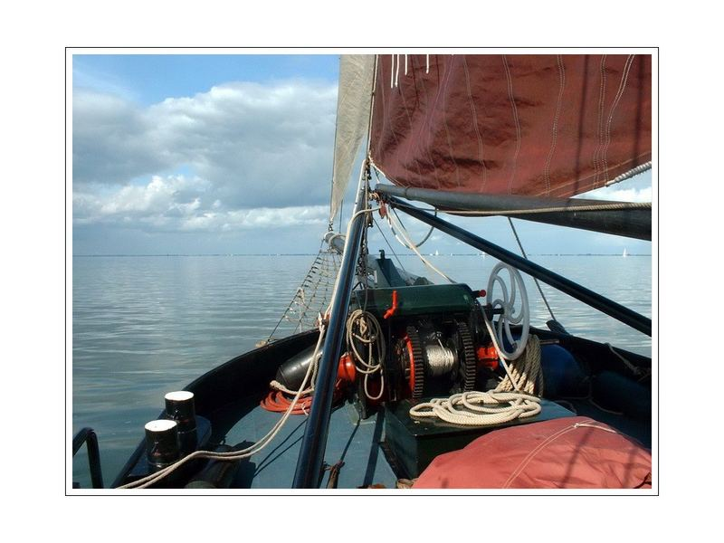 sailing with the Courier (on the Ijselmeer I ) NL