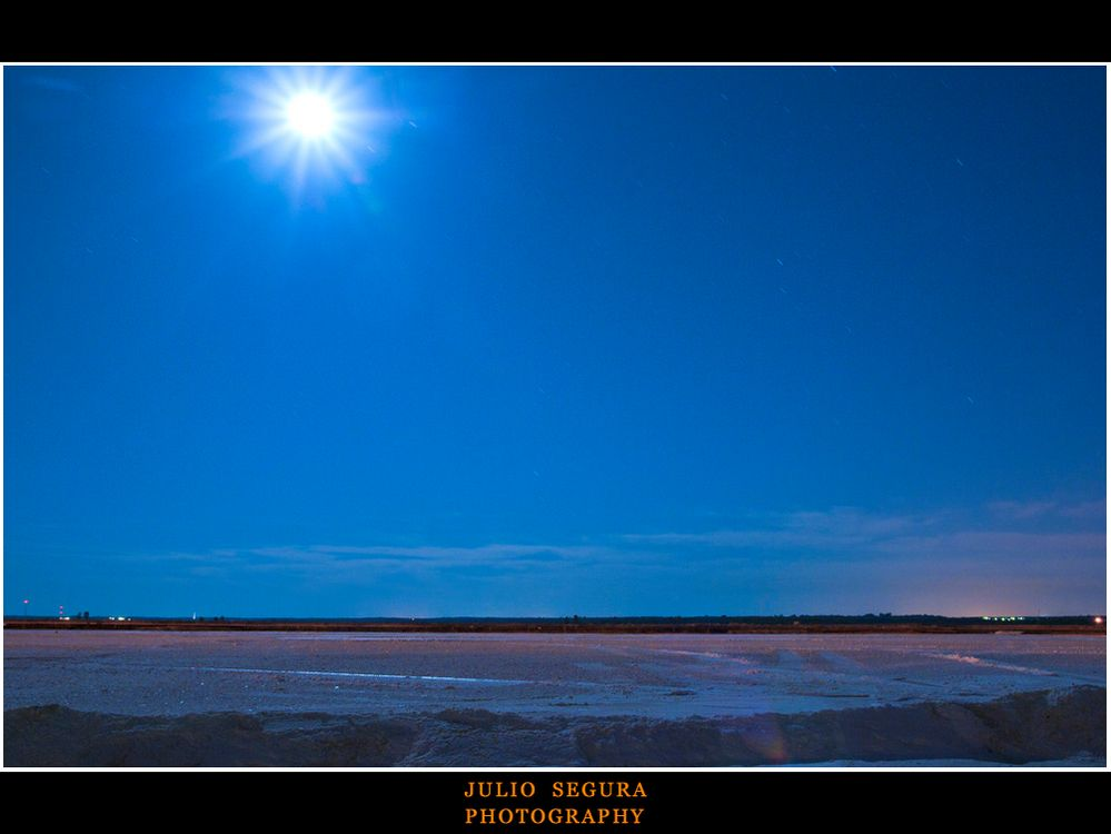 Salina con Luna Nueva