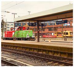 Samstag Zahl Tag- Bahnsteig 18A und 19 A