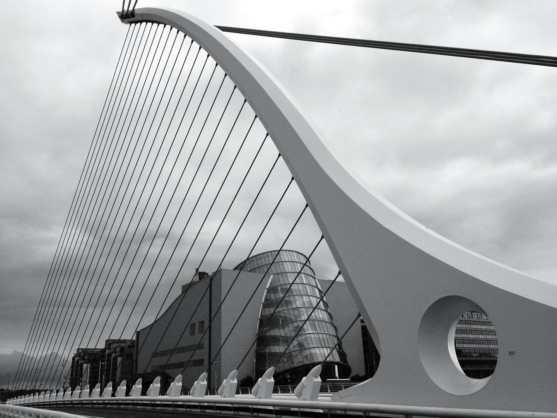 Samuel Beckett Brücke und Convention Center