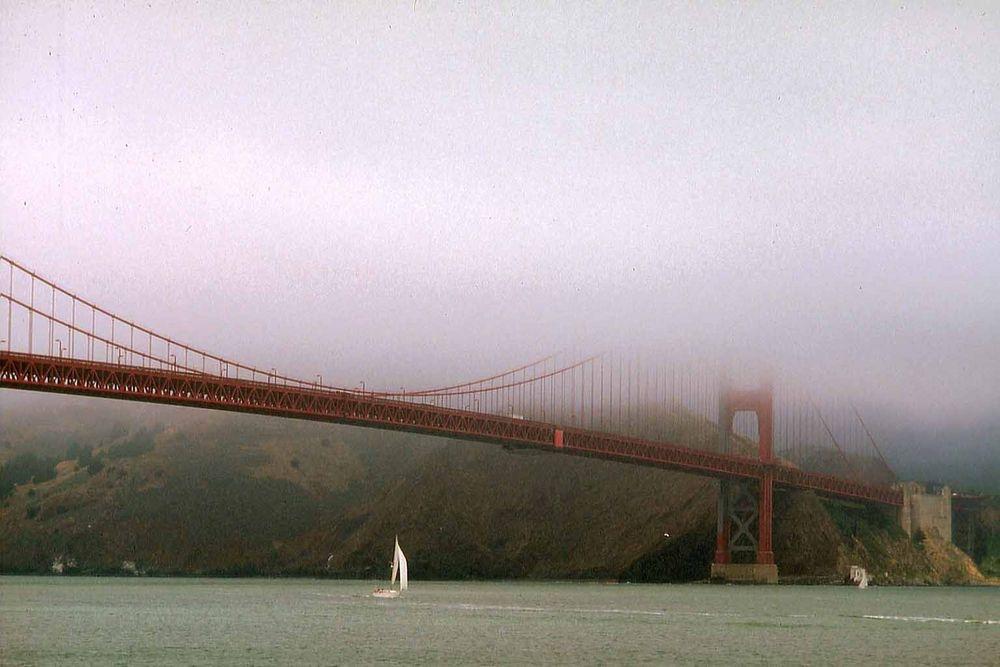 San Franzisco Golden Gate Brücke im Nebel 1