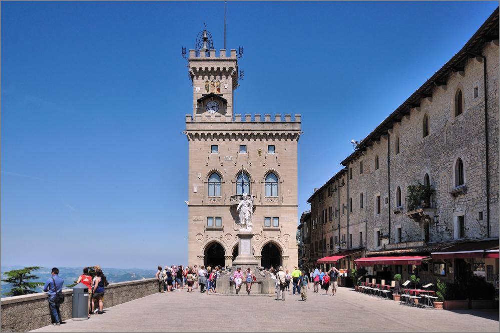 San Marino - Palazzo Publico