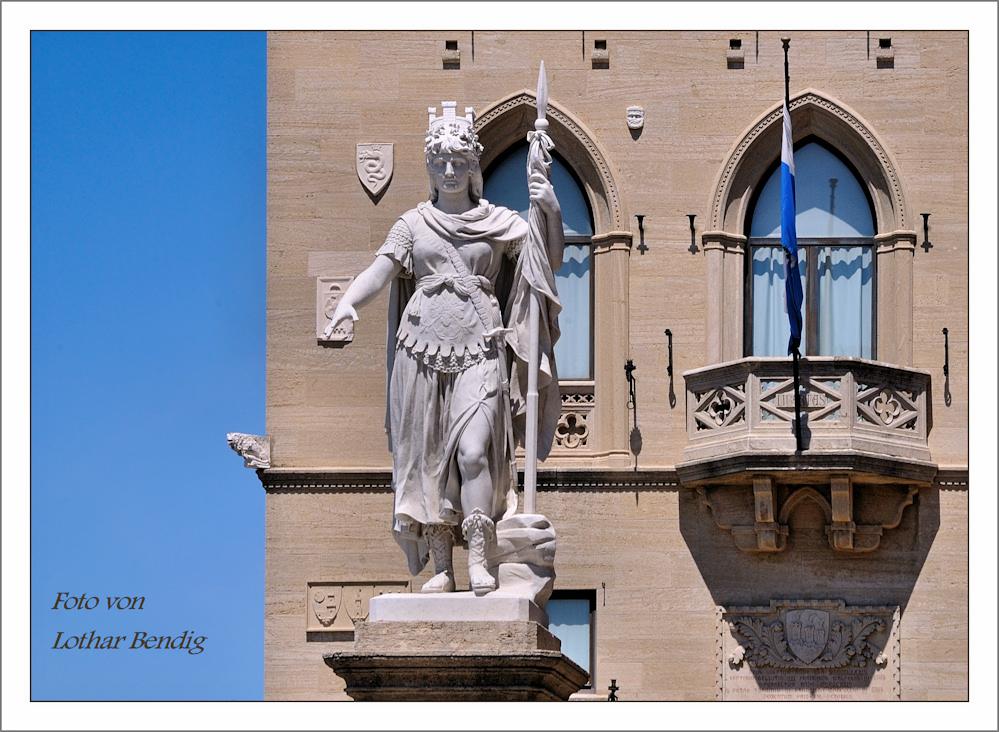 San Marino - Statua della Libertà