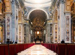Sancti Petri in Vaticano - inside