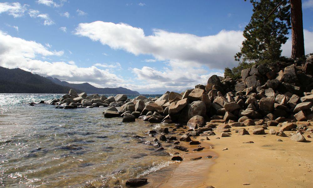 Sand harbor State Park am Nordostufer des Lake Tahoe...
