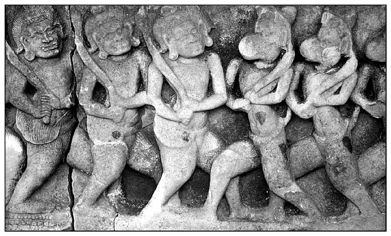 Sandsteinrelief - Armee - Prasat Hin Phimai