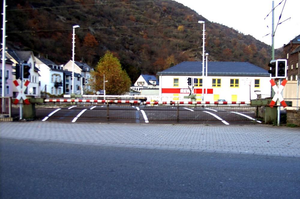 Sankt Goarshausen - Die Bahnschranke...