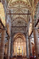 Sant' Anastasia Kirche