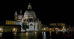 Santa Maria della Salute bei Nacht