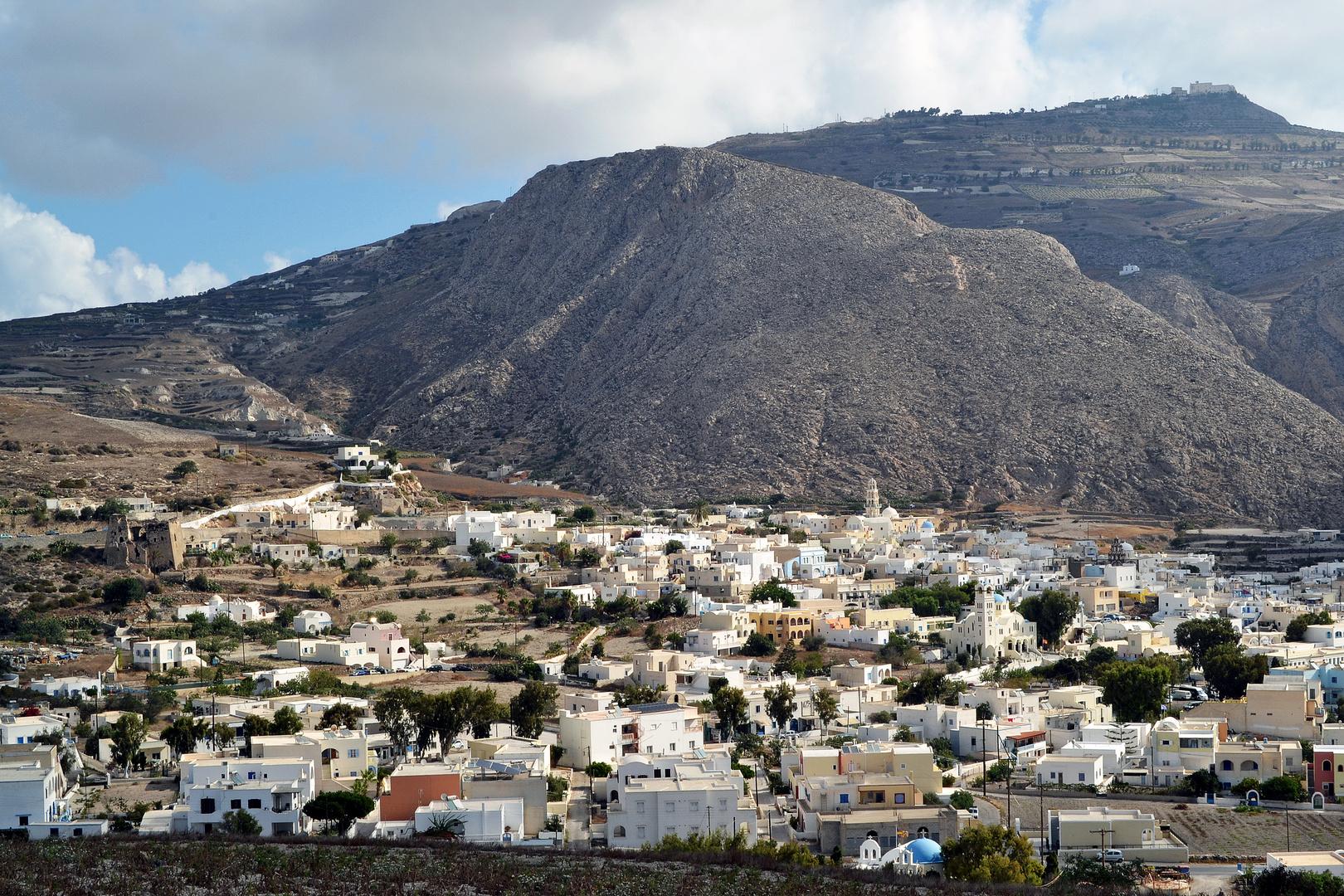 Santorini 2014, Emborio 16