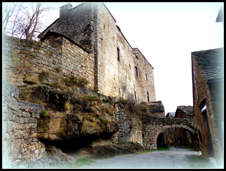 SARLAT > MONACO     Visite Castelnau -Pegayrols .-7 -
