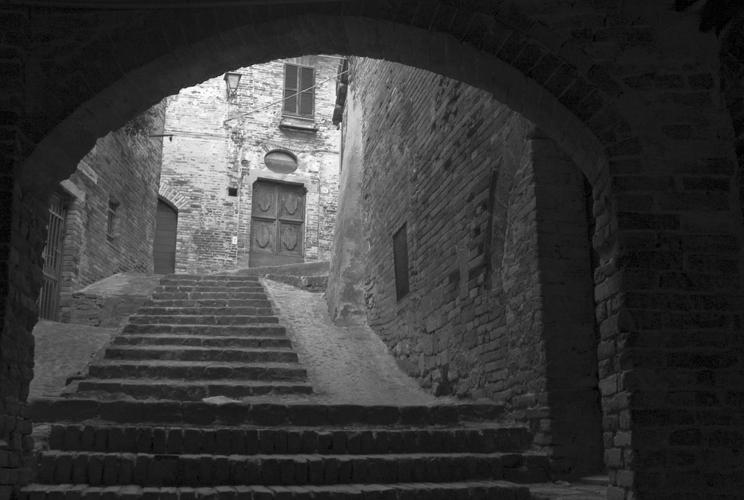 Sarnano (MC) - vicolo