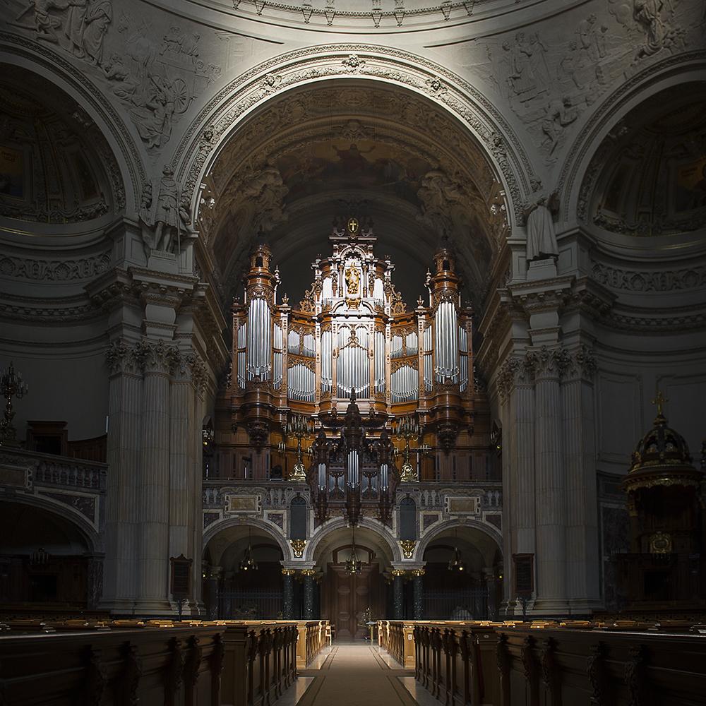 Sauer Orgel im Morgenlicht