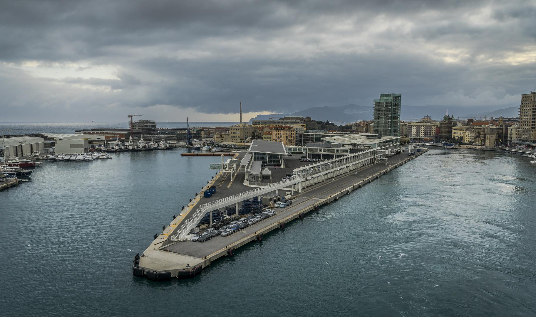 Savona - Hafenimpression