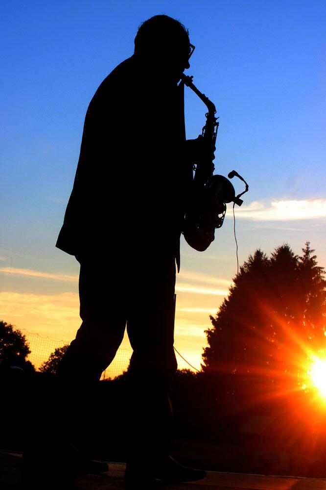 Saxophon im Sonnenuntergang