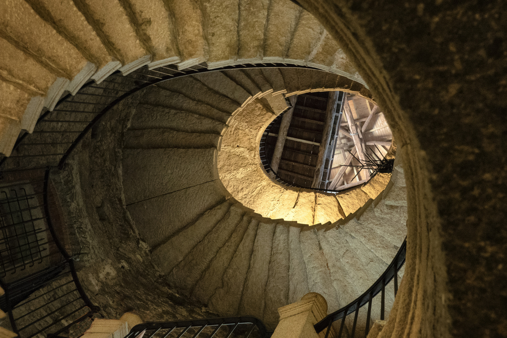 Scala interna della torre, Isola Bella