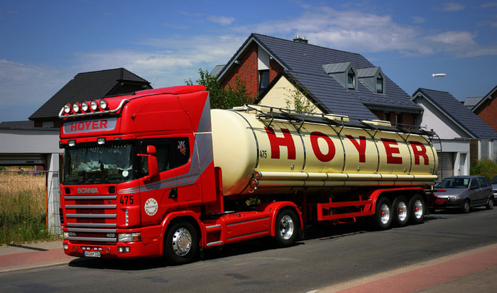 Scania Tankzug von Hoyer