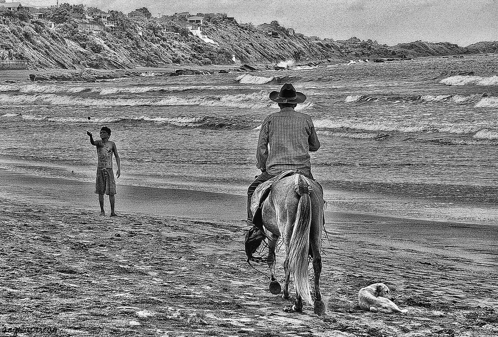 scena di mare prova bianco-nero