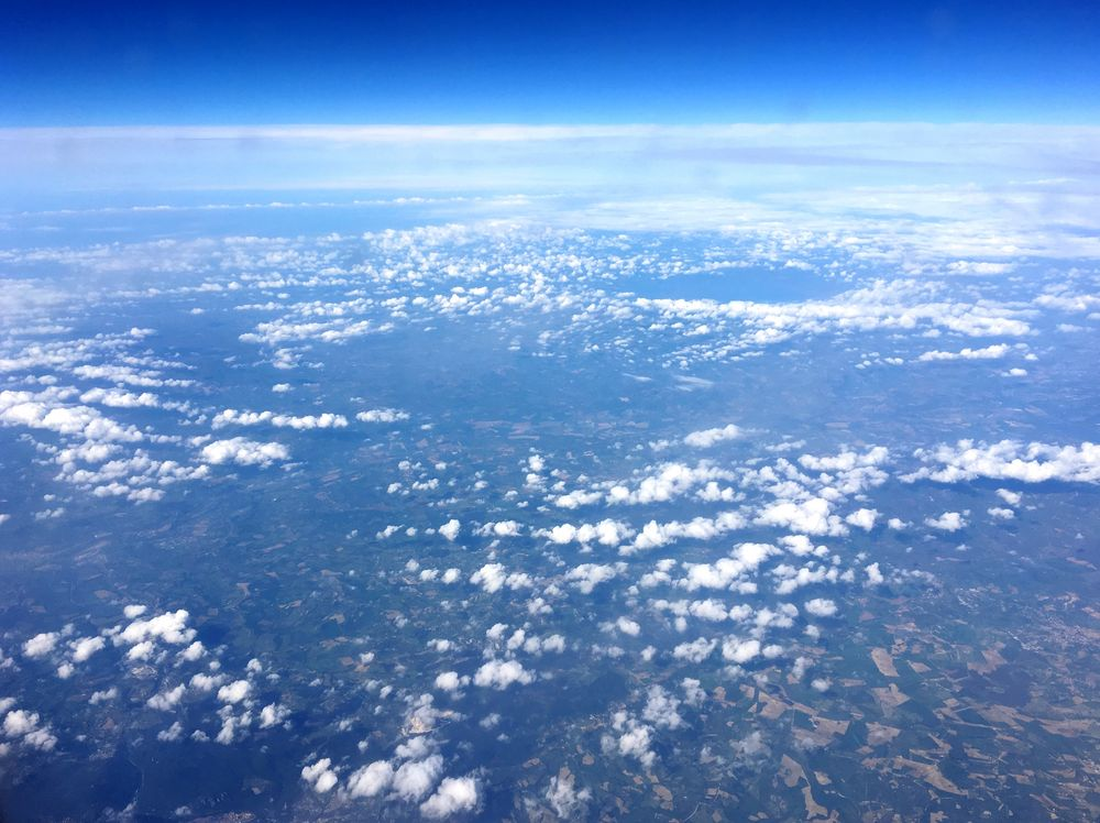 Schäfchenwolken über Italien