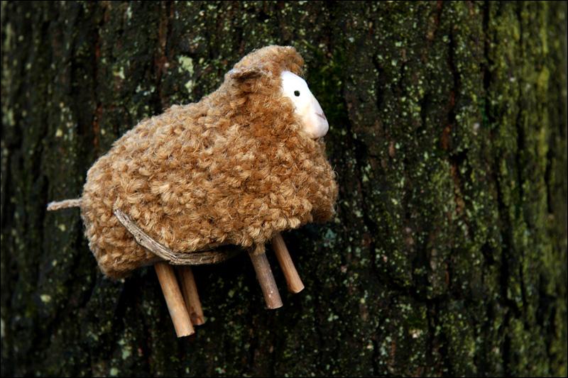 Schaf hängt ab
